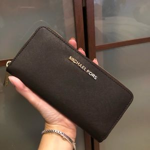 New Michael Kors Wallet